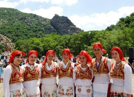 btaytd folklor ekibi - Balkan G��menleri